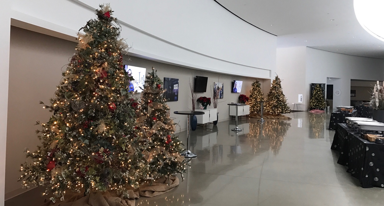 hallway - Christmas At Willow Creek